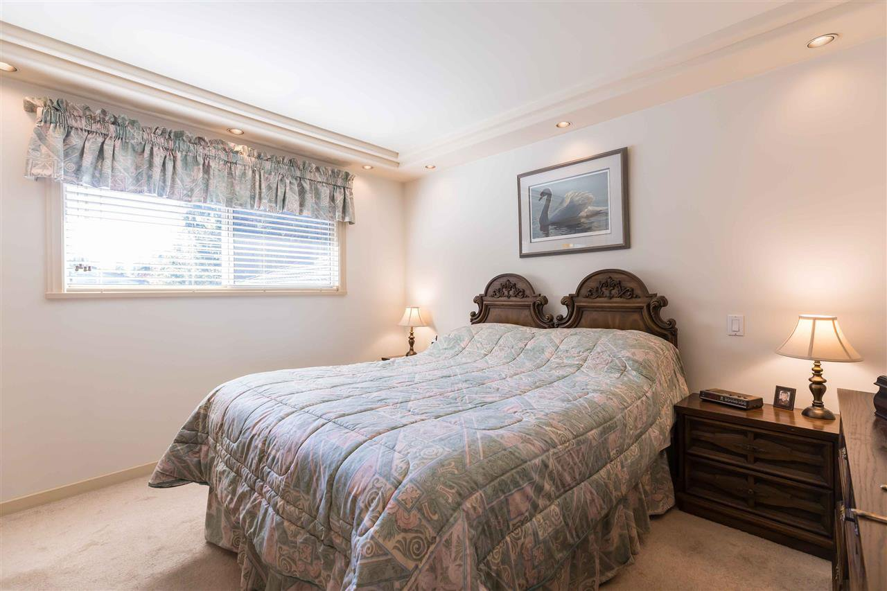 Photo 13: Photos: 3640 SABLE Avenue in Richmond: Steveston North House for sale : MLS®# R2409060