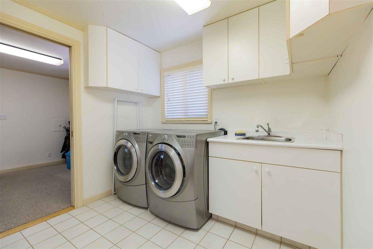 Photo 15: Photos: 3640 SABLE Avenue in Richmond: Steveston North House for sale : MLS®# R2409060