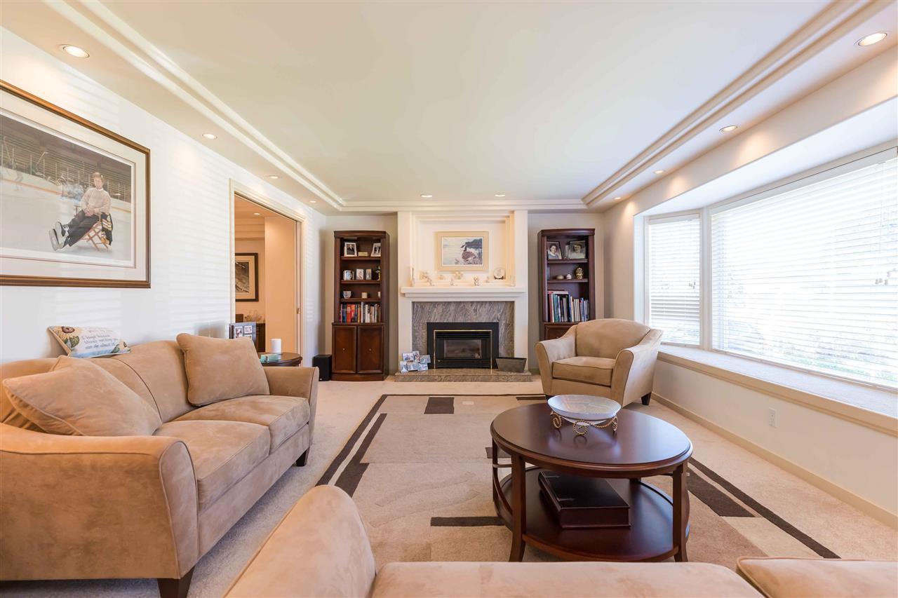 Photo 9: Photos: 3640 SABLE Avenue in Richmond: Steveston North House for sale : MLS®# R2409060