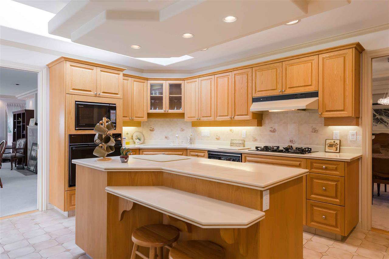 Photo 3: Photos: 3640 SABLE Avenue in Richmond: Steveston North House for sale : MLS®# R2409060