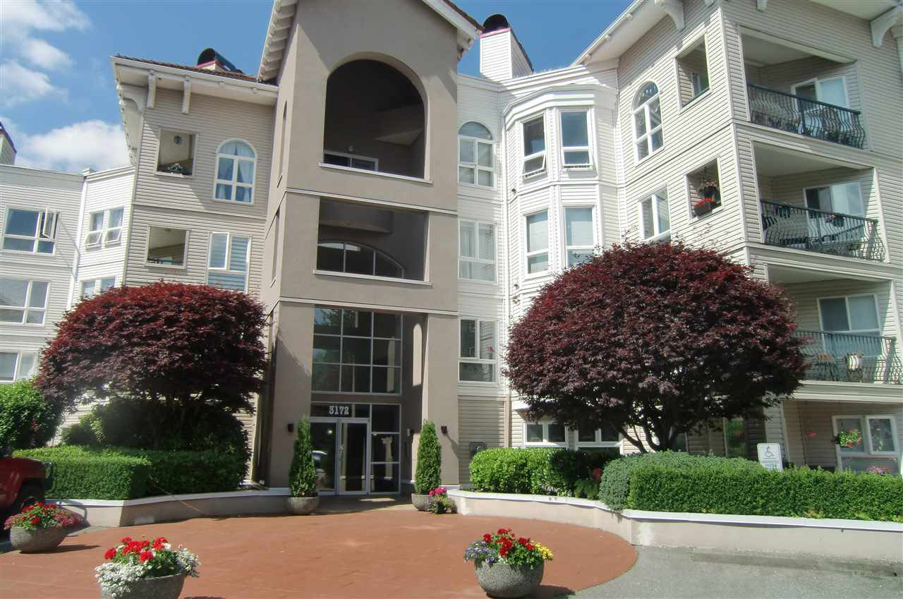 Main Photo: 202 3172 GLADWIN Road in Abbotsford: Central Abbotsford Condo for sale : MLS®# R2514596