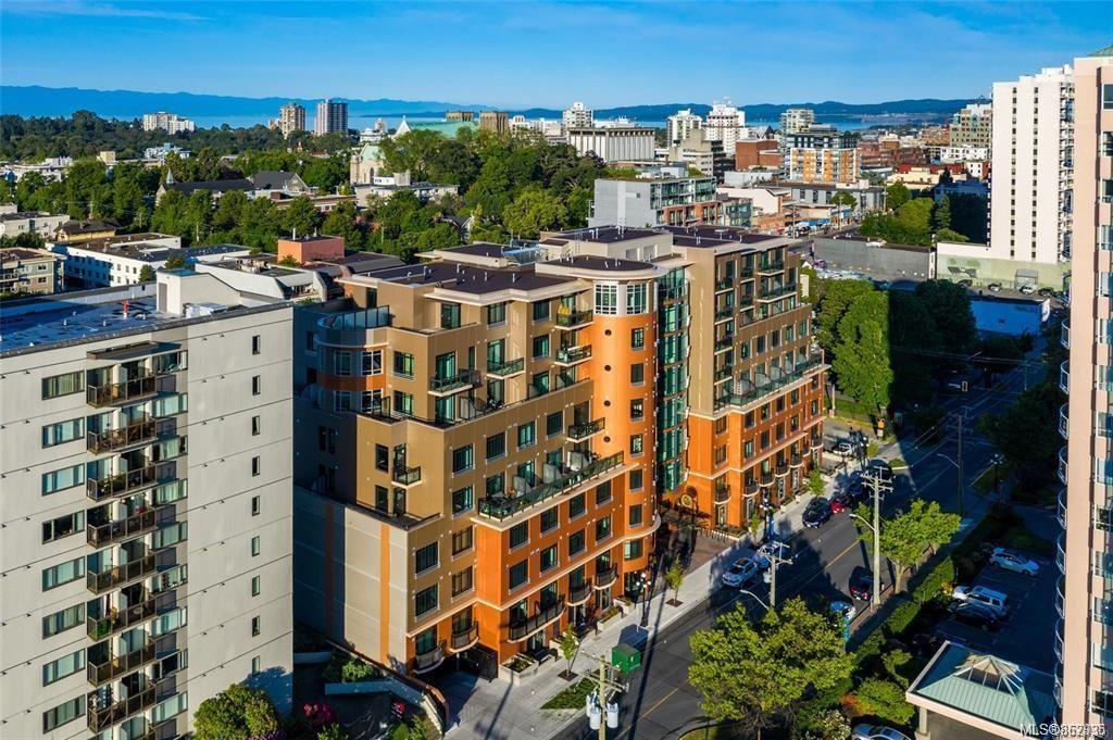 Main Photo: 611 1029 View St in : Vi Downtown Condo for sale (Victoria)  : MLS®# 862935