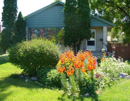 Main Photo: 1 FLETCHER in WINNIPEG: Fort Garry / Whyte Ridge / St Norbert Residential for sale (South Winnipeg)  : MLS®# 2919184
