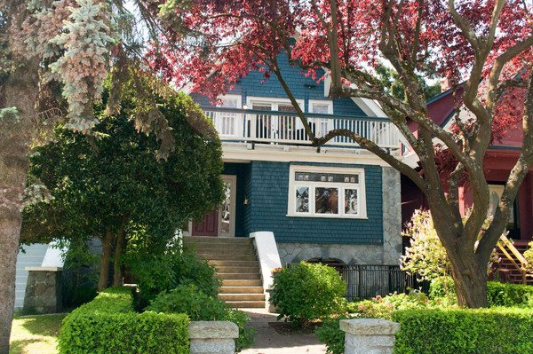 Main Photo: 3248 W 2ND Avenue in Vancouver: Kitsilano House 1/2 Duplex for sale (Vancouver West)  : MLS®# V831340