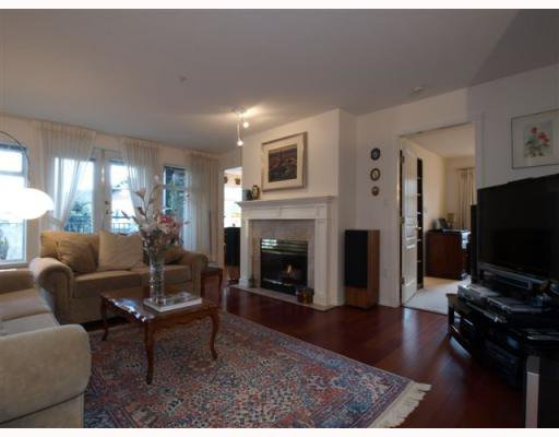"""Main Photo: 111 1140 STRATHAVEN Drive in North Vancouver: Northlands Condo for sale in """"STRATHAVEN"""" : MLS®# V755316"""
