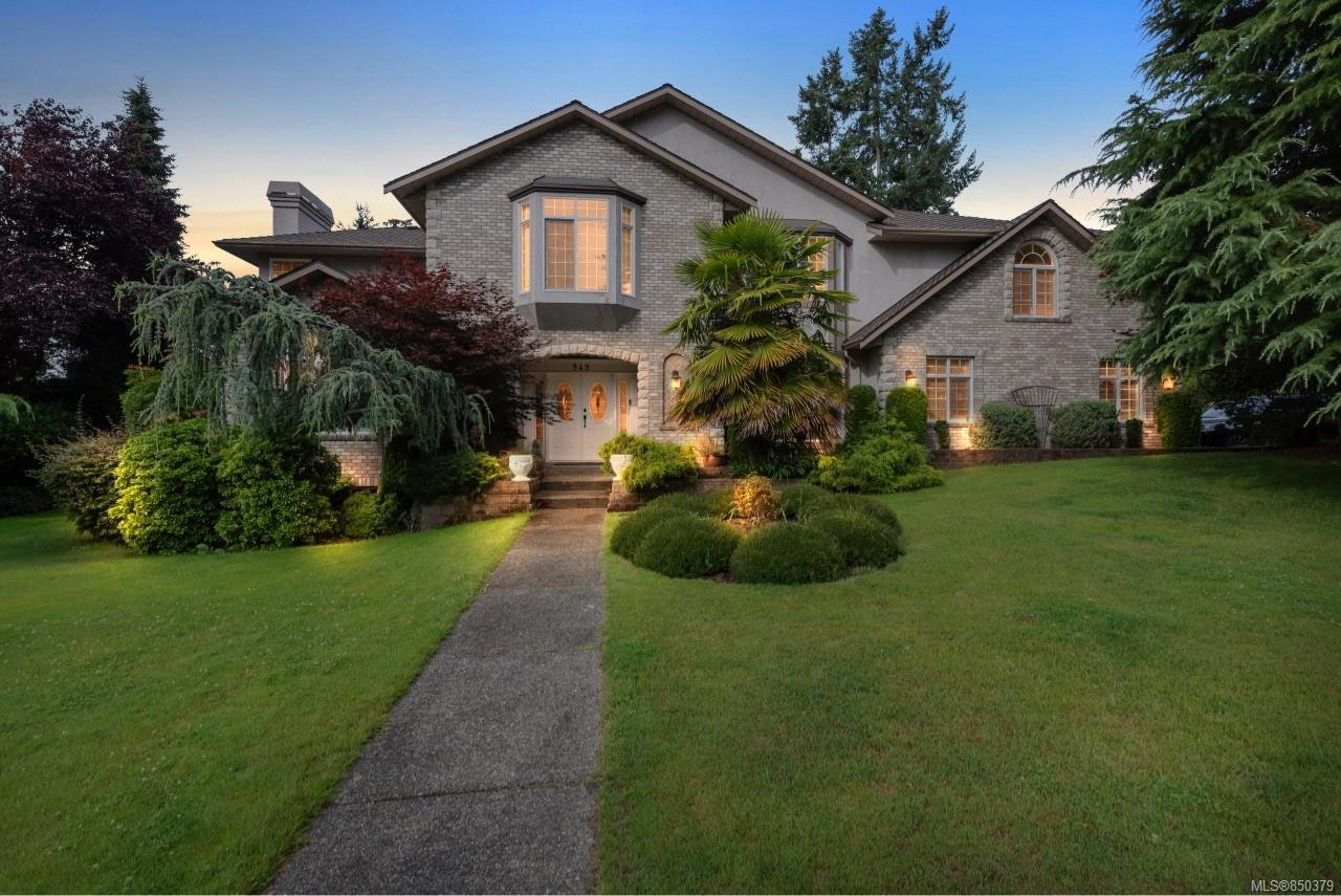 Main Photo: 949 Boulderwood Rise in : SE Broadmead Single Family Detached for sale (Saanich East)  : MLS®# 850379