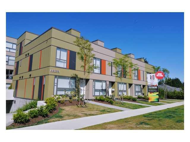 "Main Photo: 303 12075 228TH Street in Maple Ridge: East Central Condo for sale in ""RIO"" : MLS®# V844589"