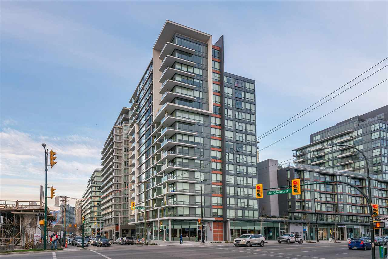 "Main Photo: 1409 1788 COLUMBIA Street in Vancouver: False Creek Condo for sale in ""Epic at West"" (Vancouver West)  : MLS®# R2392931"