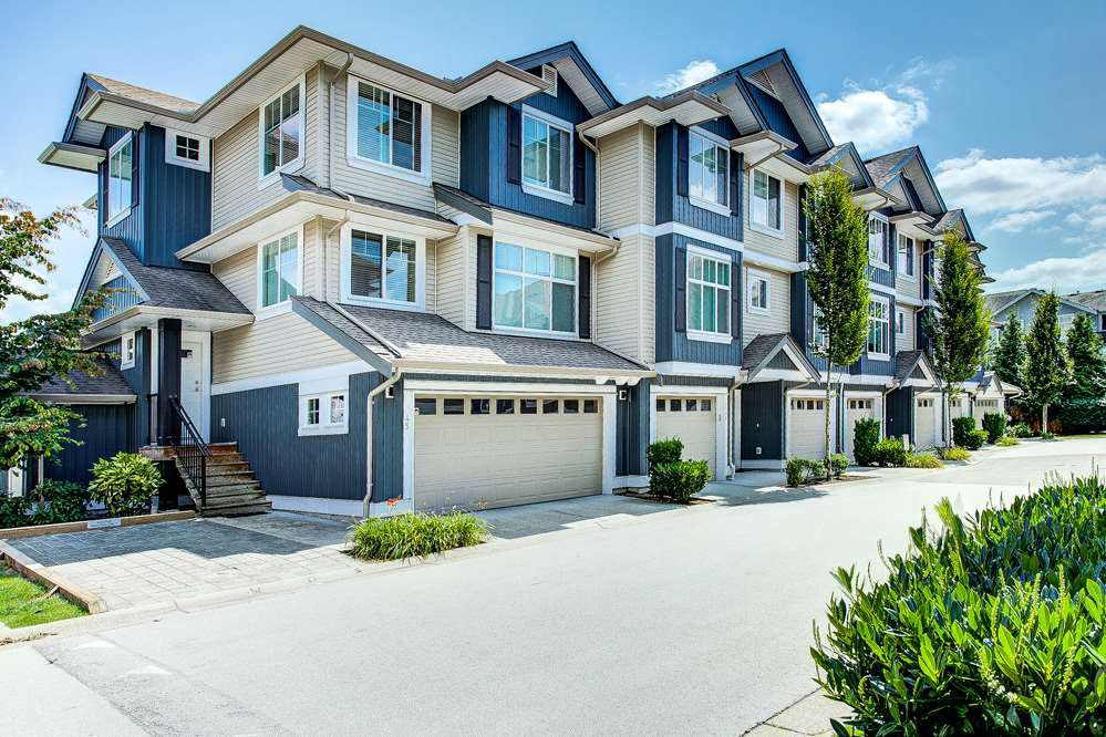 "Main Photo: 47 6956 193 Street in Surrey: Clayton Townhouse for sale in ""The Edge"" (Cloverdale)  : MLS®# R2393249"