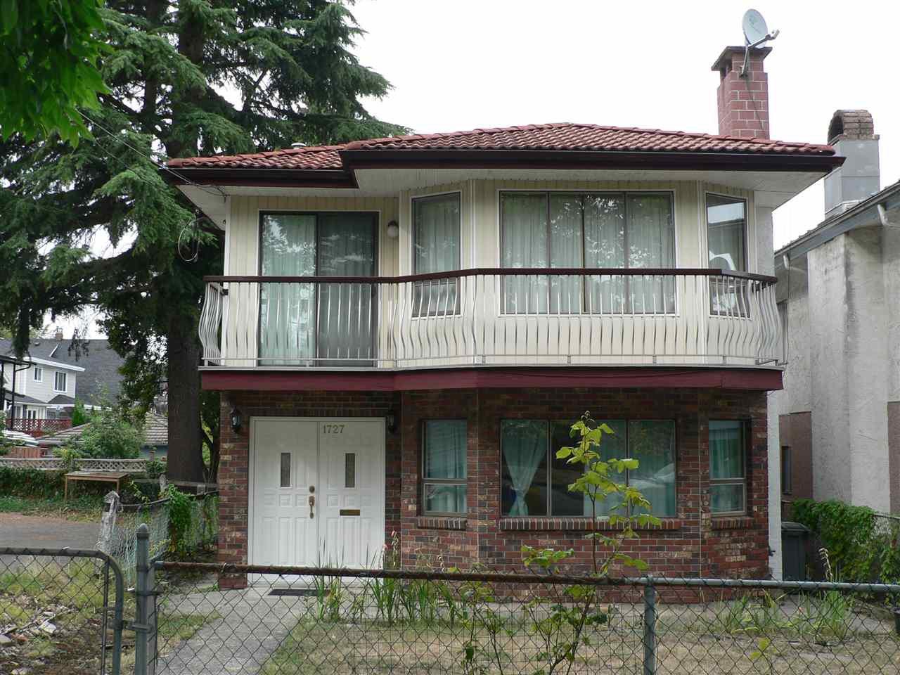 """Main Photo: 1727 E 29TH Avenue in Vancouver: Victoria VE House for sale in """"Victoria"""" (Vancouver East)  : MLS®# R2400685"""