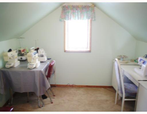 Photo 8: Photos: 549 WINDSOR Avenue in WINNIPEG: East Kildonan Single Family Detached for sale (North East Winnipeg)  : MLS®# 2708227