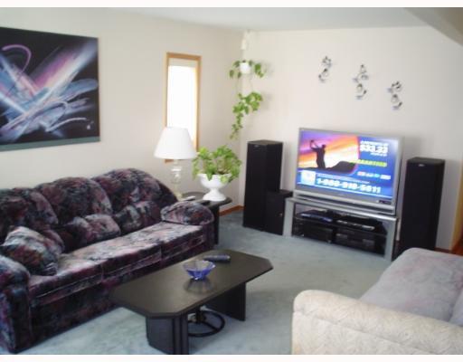 Photo 3: Photos: 549 WINDSOR Avenue in WINNIPEG: East Kildonan Single Family Detached for sale (North East Winnipeg)  : MLS®# 2708227