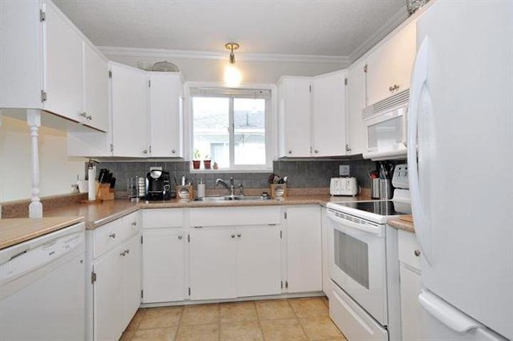 Photo 12: Photos: 7205 ROCHESTER Avenue in Sardis: Sardis West Vedder Rd House for sale : MLS®# R2424274