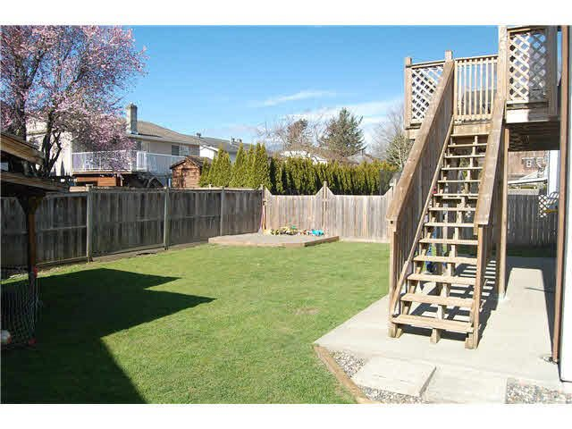 Photo 3: Photos: 7205 ROCHESTER Avenue in Sardis: Sardis West Vedder Rd House for sale : MLS®# R2424274