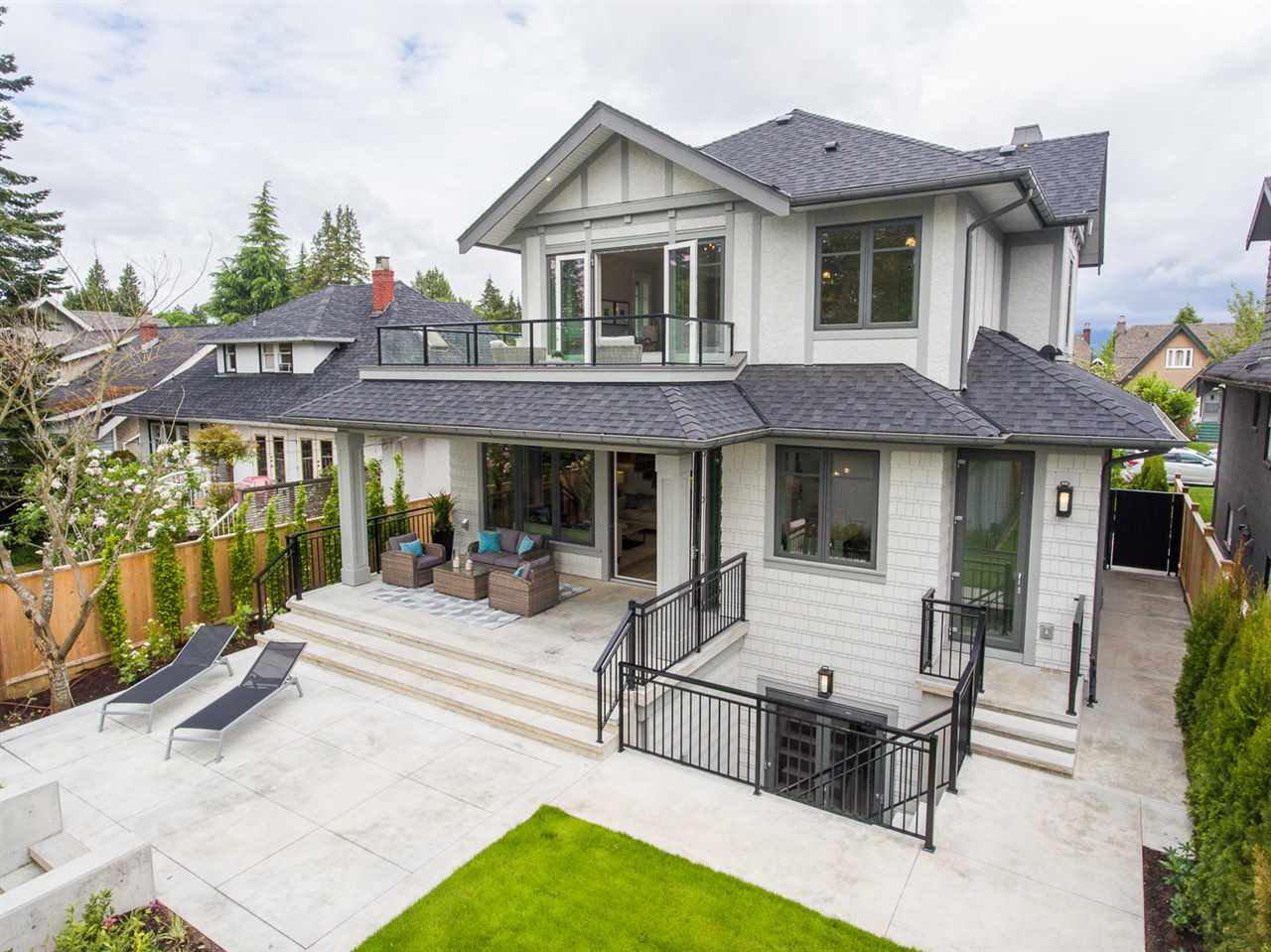 """Photo 2: Photos: 2816 W 30TH Avenue in Vancouver: MacKenzie Heights House for sale in """"MACKENZIE HEIGHTS"""" (Vancouver West)  : MLS®# R2456722"""