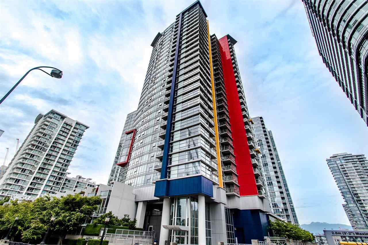 """Main Photo: 1902 111 W GEORGIA Street in Vancouver: Downtown VW Condo for sale in """"Spectrum 1"""" (Vancouver West)  : MLS®# R2467192"""