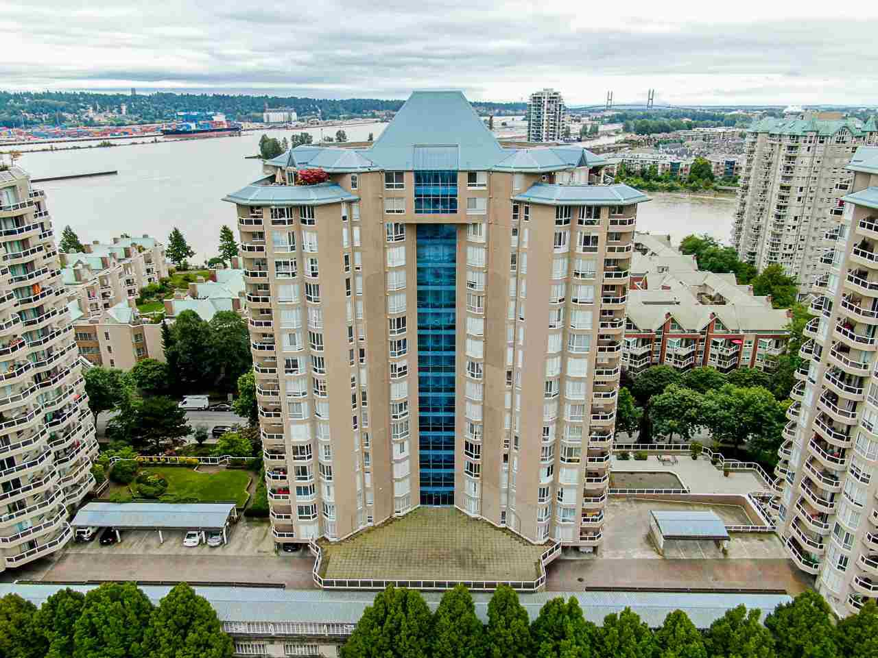 "Main Photo: 803 1235 QUAYSIDE Drive in New Westminster: Quay Condo for sale in ""Riviera"" : MLS®# R2479535"