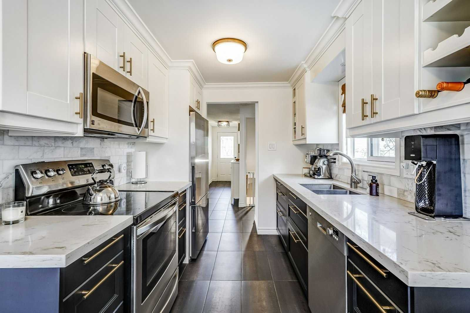 Main Photo: Hemingway Crescent in Barrie: Letitia Heights House for lease Steven & Marie Commisso Vaughan Real Estate Vaughan Condos