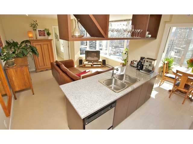 """Main Photo: 1806 1001 RICHARDS Street in Vancouver: Downtown VW Condo for sale in """"MIRO"""" (Vancouver West)  : MLS®# V857520"""