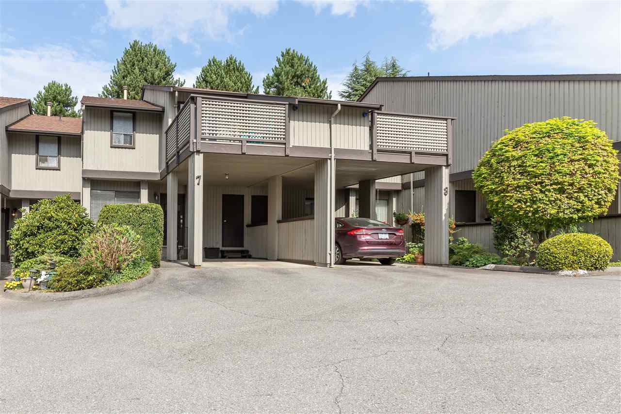 "Main Photo: 7 32917 AMICUS Place in Abbotsford: Central Abbotsford Townhouse for sale in ""PINE GROVE TERRACE"" : MLS®# R2404740"