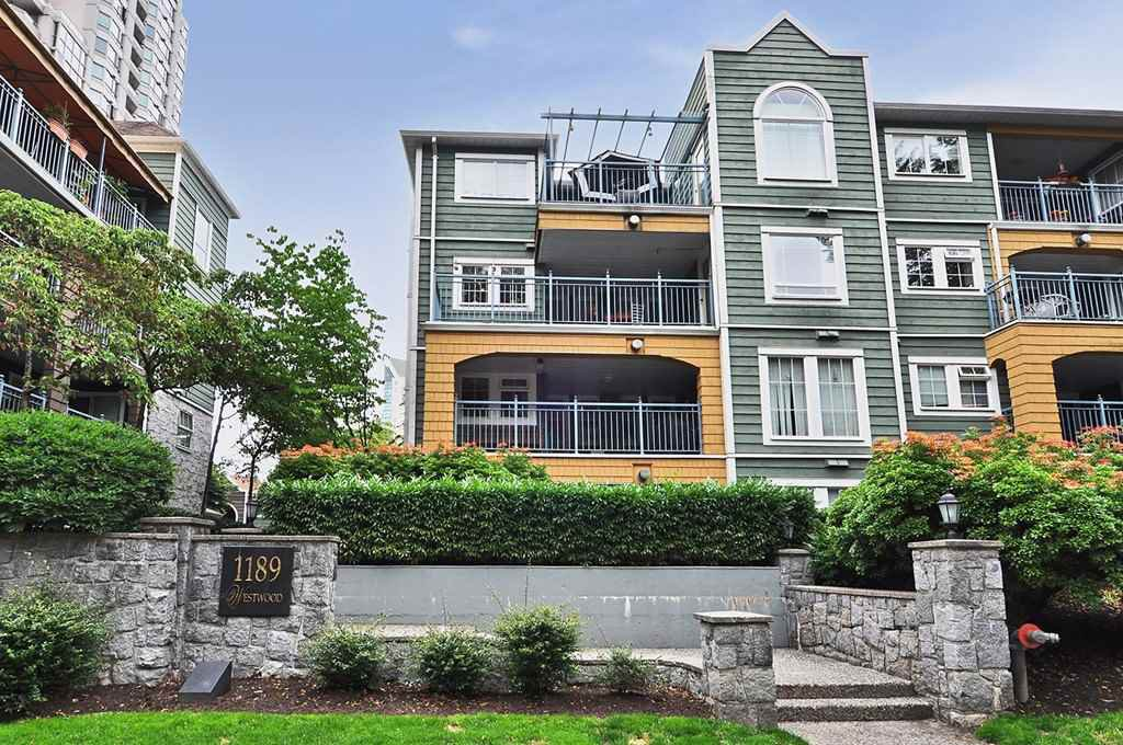 """Main Photo: 304 1189 WESTWOOD Street in Coquitlam: North Coquitlam Condo for sale in """"LAKESIDE TERRACE"""" : MLS®# R2416866"""