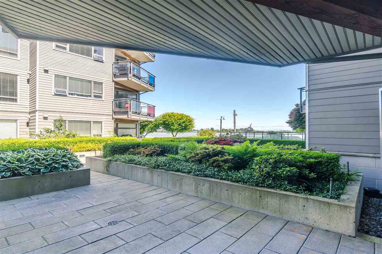 "Main Photo: 108 14200 RIVERPORT Way in Richmond: East Richmond Condo for sale in ""WATERSTONE PIER"" : MLS®# R2457177"