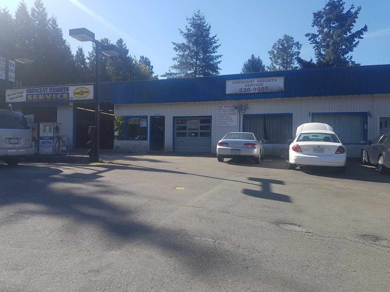 Main Photo: 12758 28 Avenue in Surrey: Crescent Bch Ocean Pk. Business with Property for sale (South Surrey White Rock)  : MLS®# C8033617