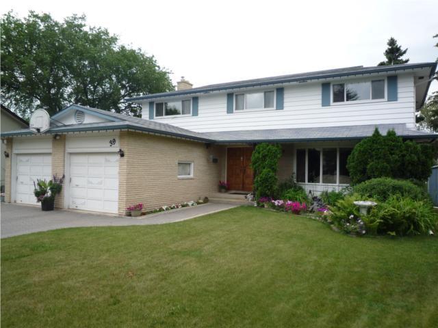 Main Photo: 39 BRIDGEWATER Crescent in WINNIPEG: North Kildonan Residential for sale (North East Winnipeg)  : MLS®# 1012021