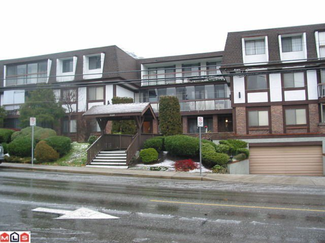 "Main Photo: 102 1444 MARTIN Street: White Rock Condo for sale in ""MARTINVIEW MANOR"" (South Surrey White Rock)  : MLS®# F1100058"