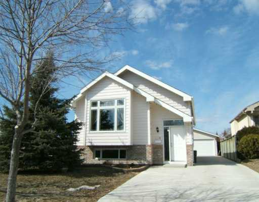 Main Photo: 226 GEORGE MARSHALL Way in WINNIPEG: Transcona Single Family Detached for sale (North East Winnipeg)  : MLS®# 2705020