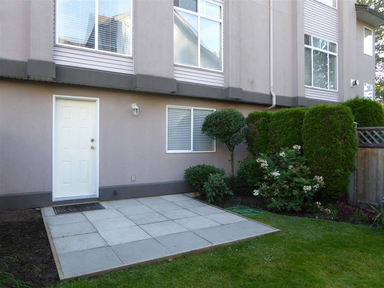 """Photo 16: Photos: 7 2538 PITT RIVER Road in Port Coquitlam: Mary Hill Townhouse for sale in """"RIVER COURT"""" : MLS®# R2392778"""