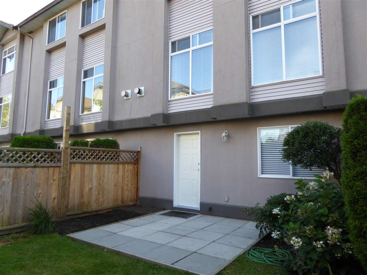"""Photo 17: Photos: 7 2538 PITT RIVER Road in Port Coquitlam: Mary Hill Townhouse for sale in """"RIVER COURT"""" : MLS®# R2392778"""