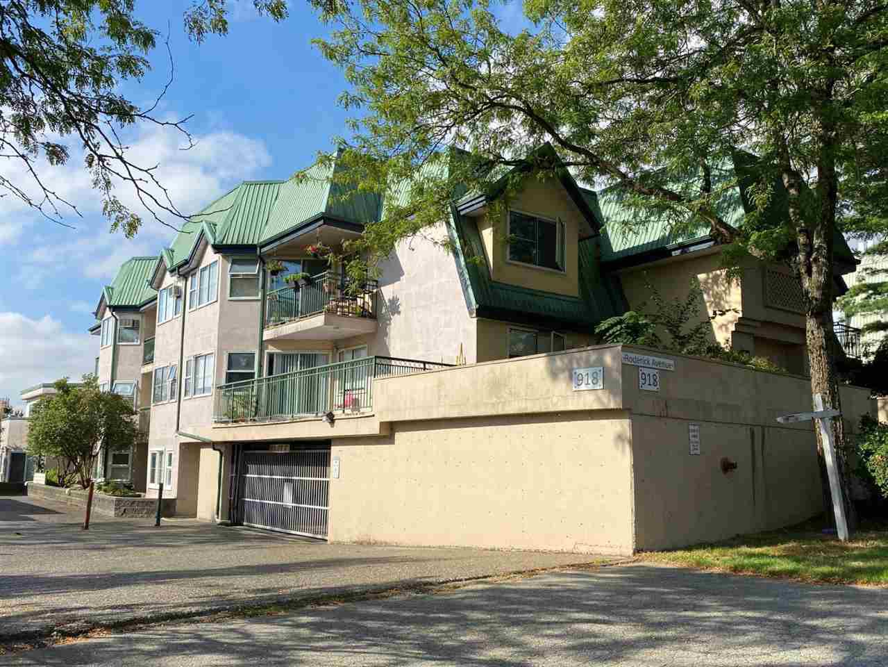 Main Photo: 205 918 RODERICK Avenue in Coquitlam: Maillardville Condo for sale : MLS®# R2501500