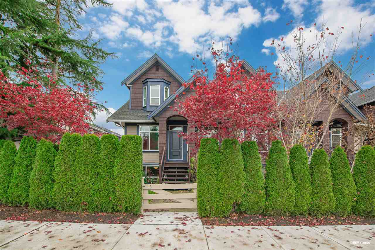 """Main Photo: 15 15977 26 Avenue in Surrey: Grandview Surrey Townhouse for sale in """"BELCROFT"""" (South Surrey White Rock)  : MLS®# R2517560"""