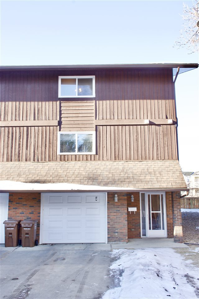 Main Photo: 5 GLAEWYN Estates: St. Albert Townhouse for sale : MLS®# E4224795