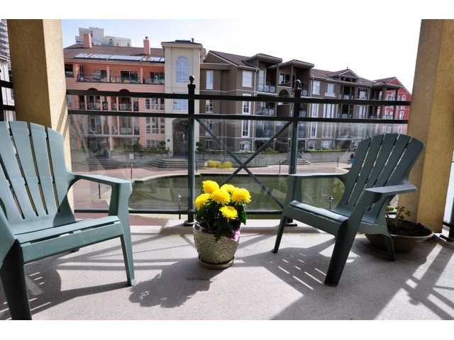 """Main Photo: 203 6 RENAISSANCE Square in New Westminster: Quay Condo for sale in """"THE RIALTO"""" : MLS®# V819217"""
