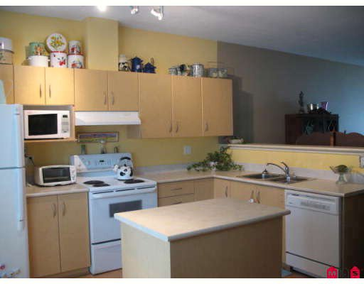 """Main Photo: 40 14952 58TH Avenue in Surrey: Sullivan Station Townhouse for sale in """"HIGHBRAE"""" : MLS®# F2913725"""