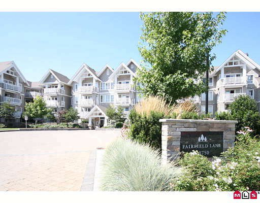 "Main Photo: 314 20750 DUNCAN Way in Langley: Langley City Condo for sale in ""Fairfield Lane"" : MLS®# F2918857"