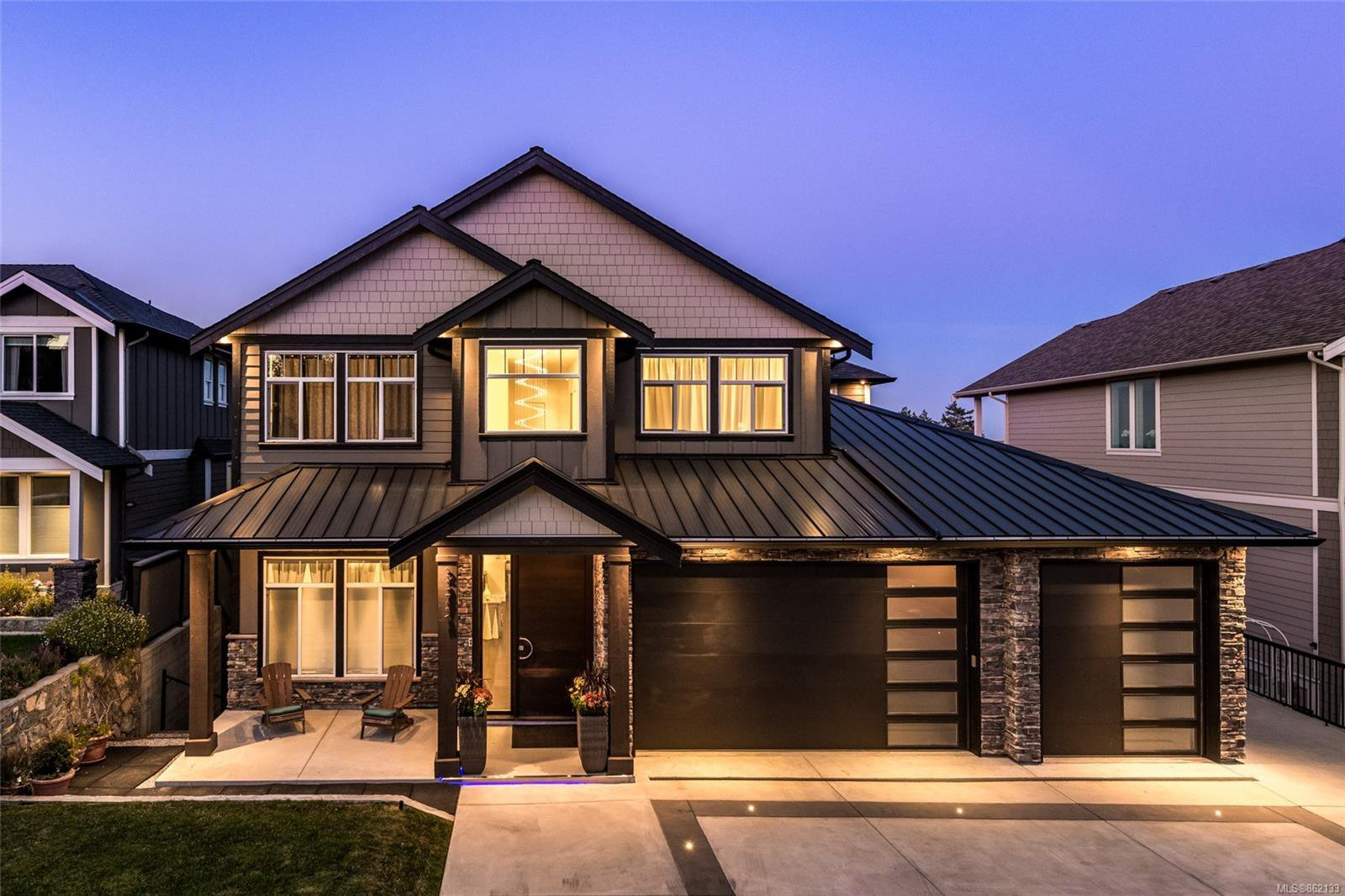 Main Photo: 2275 Nicklaus Dr in : La Bear Mountain House for sale (Langford)  : MLS®# 862133