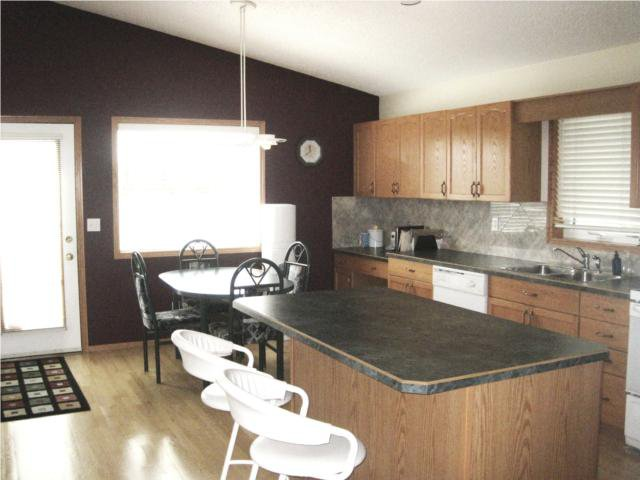 Photo 3: Photos: 628 Scurfield Boulevard in WINNIPEG: Fort Garry / Whyte Ridge / St Norbert Residential for sale (South Winnipeg)  : MLS®# 1010010