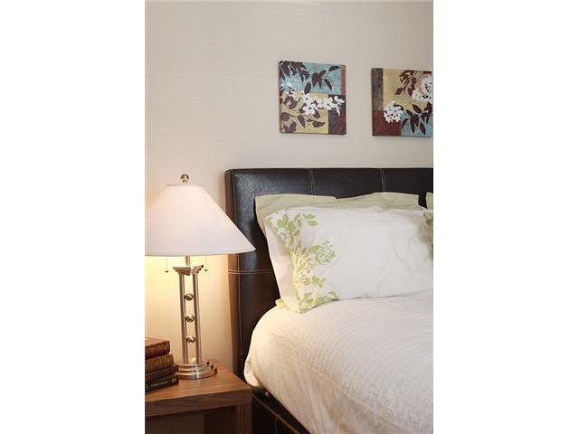 Main Photo: 309 333 RIVERFRONT Avenue SE in CALGARY: Downtown East Village Condo for sale (Calgary)  : MLS®# C3451131