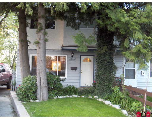 Main Photo: 6284 MORGAN Place in Surrey: Cloverdale BC House 1/2 Duplex for sale (Cloverdale)  : MLS®# F2909837