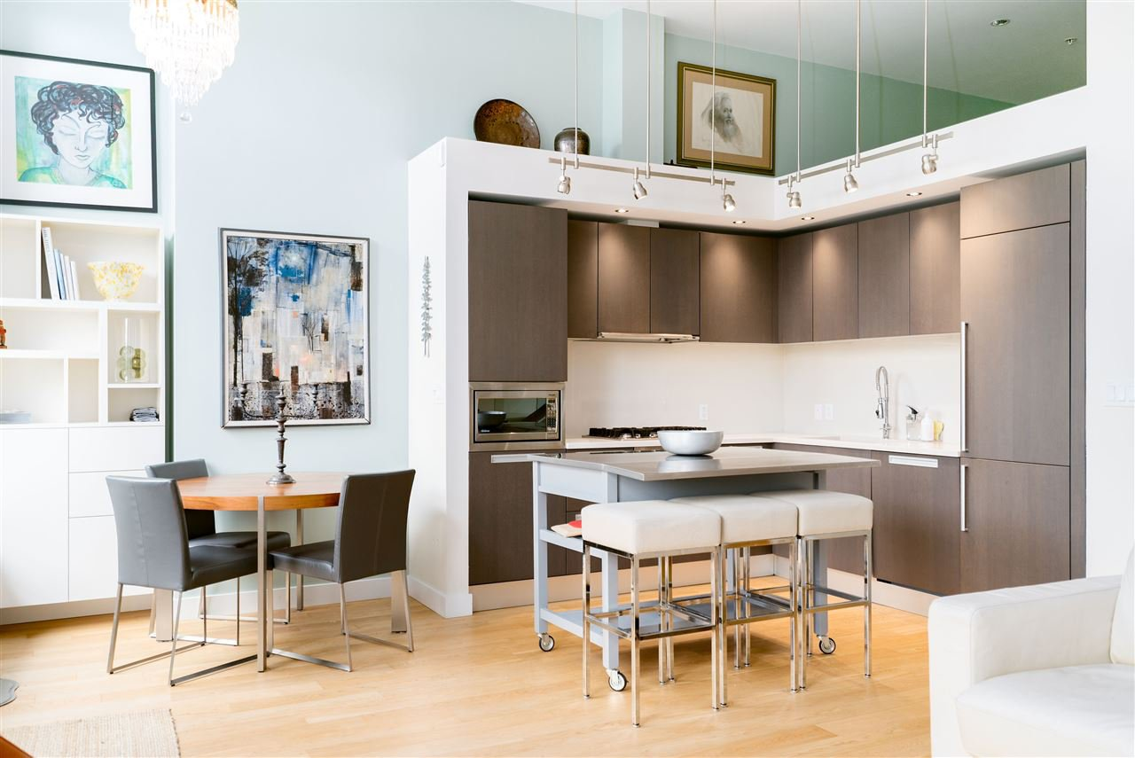"""Main Photo: 296 W 1ST Avenue in Vancouver: False Creek Townhouse for sale in """"The James"""" (Vancouver West)  : MLS®# R2406593"""