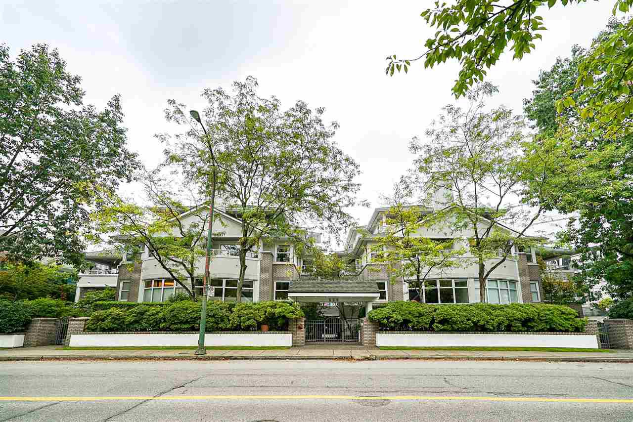 """Main Photo: 302 668 W 16TH Avenue in Vancouver: Cambie Condo for sale in """"The Mansion"""" (Vancouver West)  : MLS®# R2407487"""