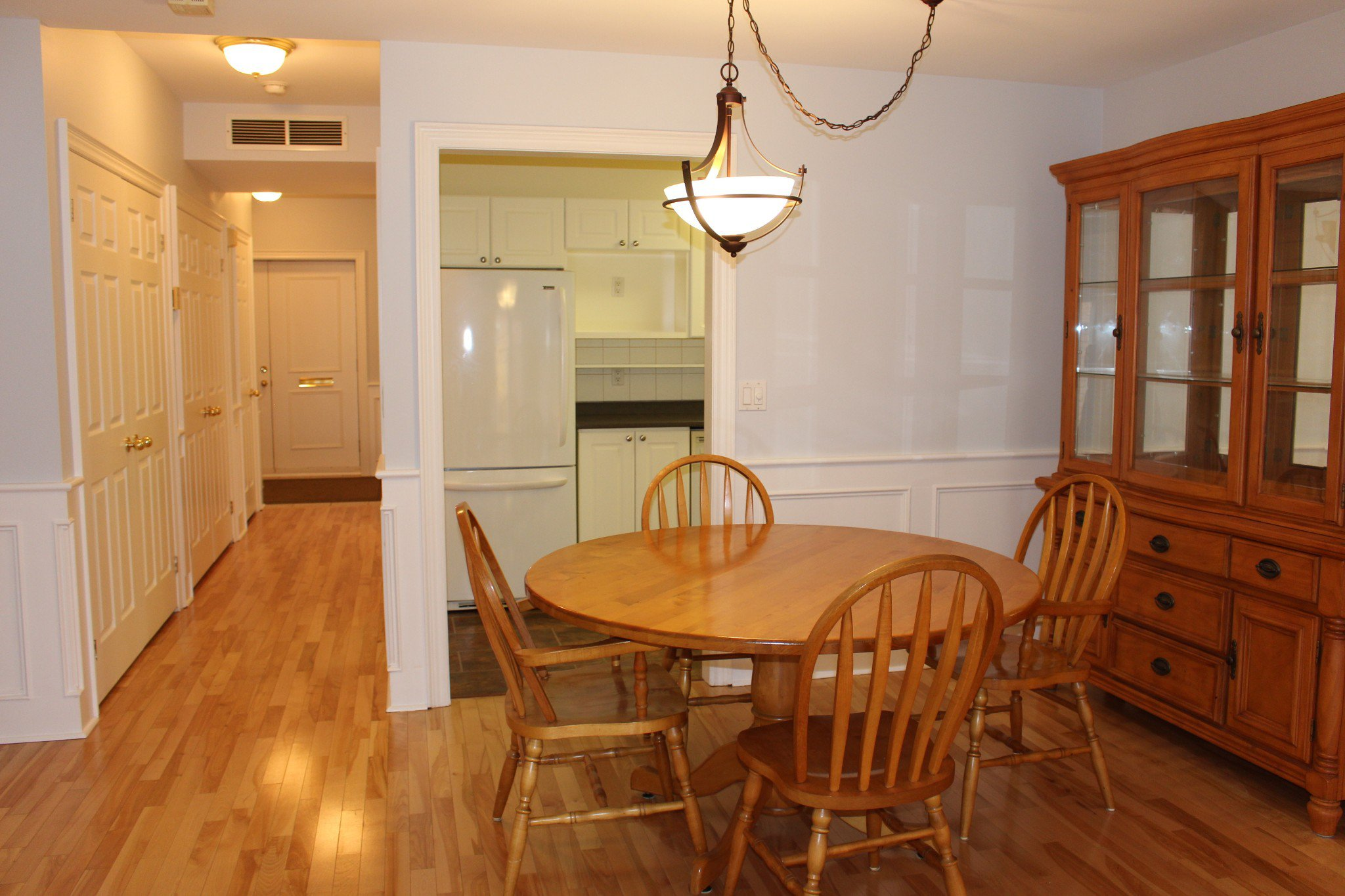 Photo 15: Photos: 102 Maria's Quay in Cobourg: Residential Attached for sale : MLS®# 230864