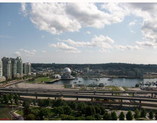 """Main Photo: 2301 550 TAYLOR Street in Vancouver: Downtown VW Condo for sale in """"TAYLOR"""" (Vancouver West)  : MLS®# V783224"""