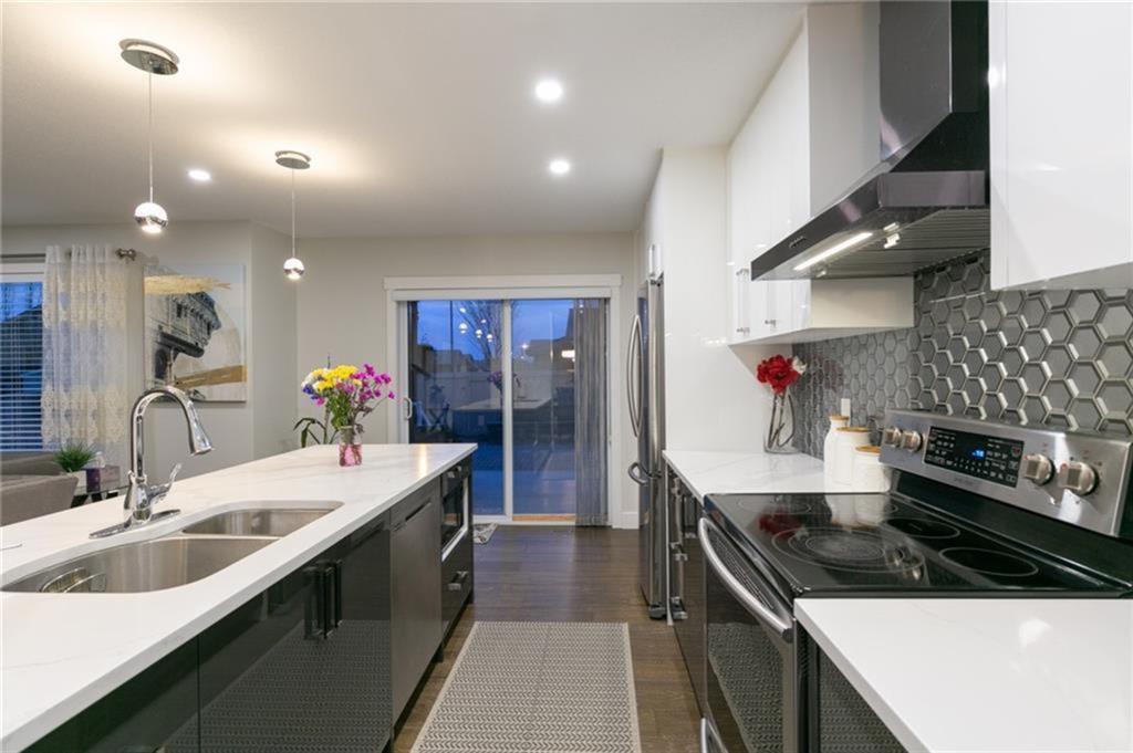 Photo 7: Photos: 339 Bridlemeadows Common SW in Calgary: Bridlewood Detached for sale : MLS®# A1040333
