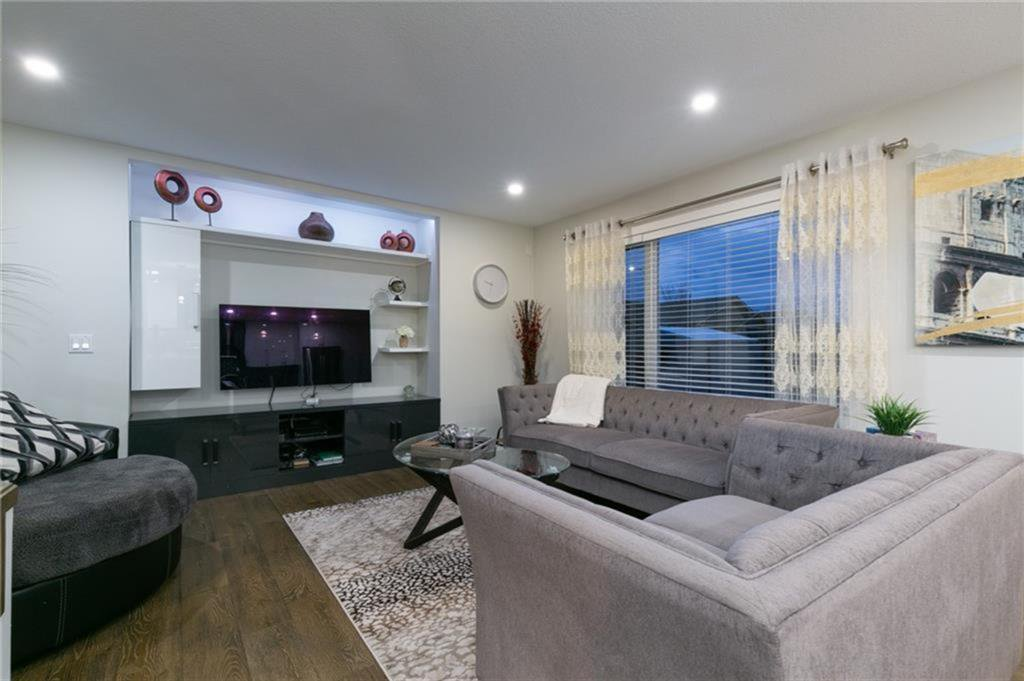 Photo 6: Photos: 339 Bridlemeadows Common SW in Calgary: Bridlewood Detached for sale : MLS®# A1040333