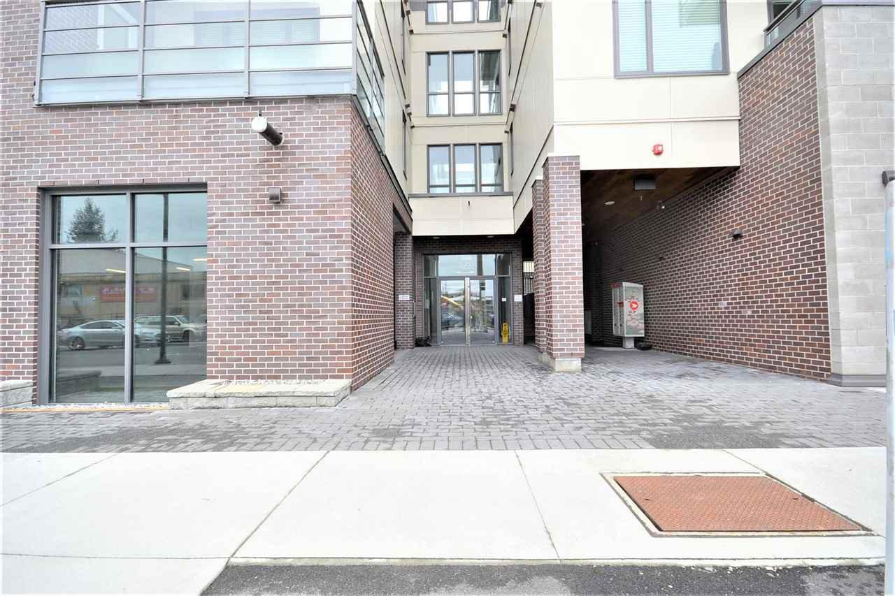 Main Photo: PH03 5355 LANE Street in Burnaby: Metrotown Condo for sale (Burnaby South)  : MLS®# R2516392