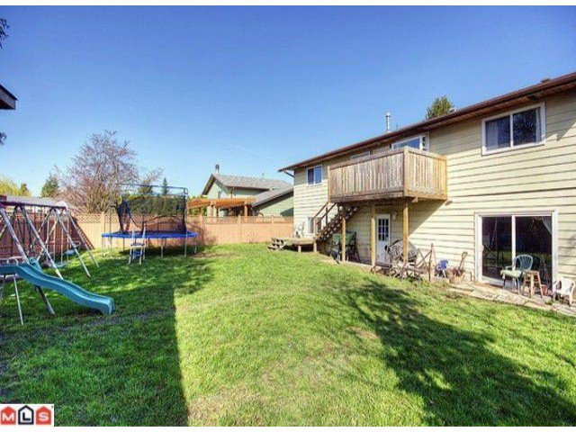 Photo 10: Photos: 17078 JERSEY Drive in Surrey: Cloverdale BC House for sale (Cloverdale)  : MLS®# F1007106